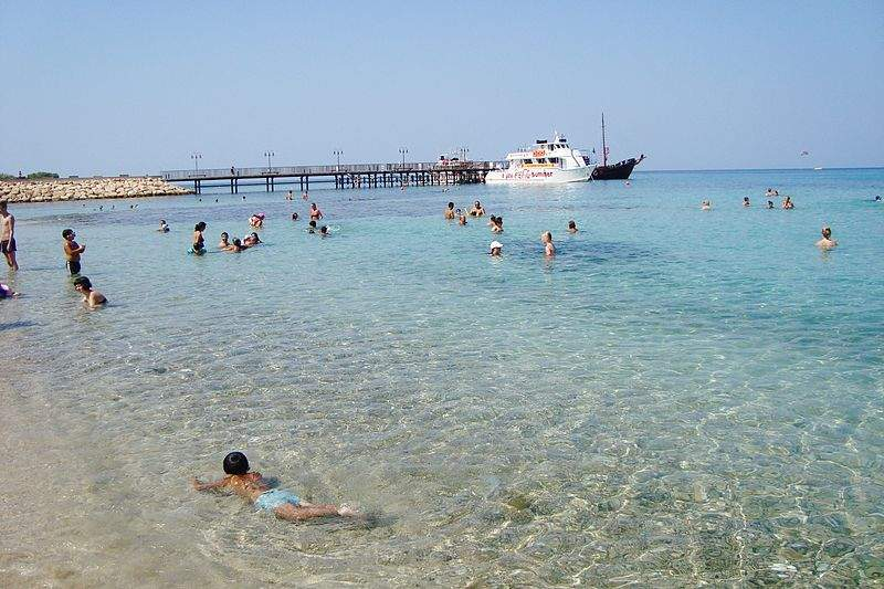 800px-Cosmopolitan_Protaras_beach_in_Paralimni_Republic_of_Cyprus