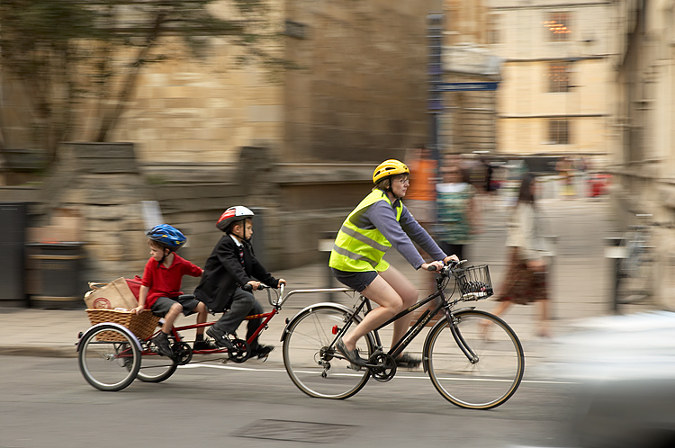 Family_Ride_bicycle_cycle_trailer