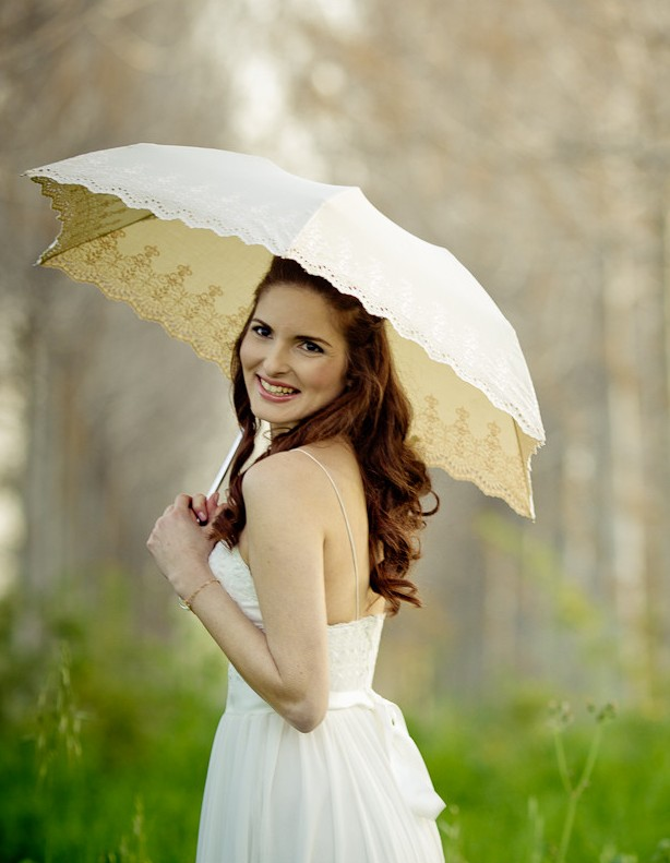 Bride_with_Parasol-_Amarella