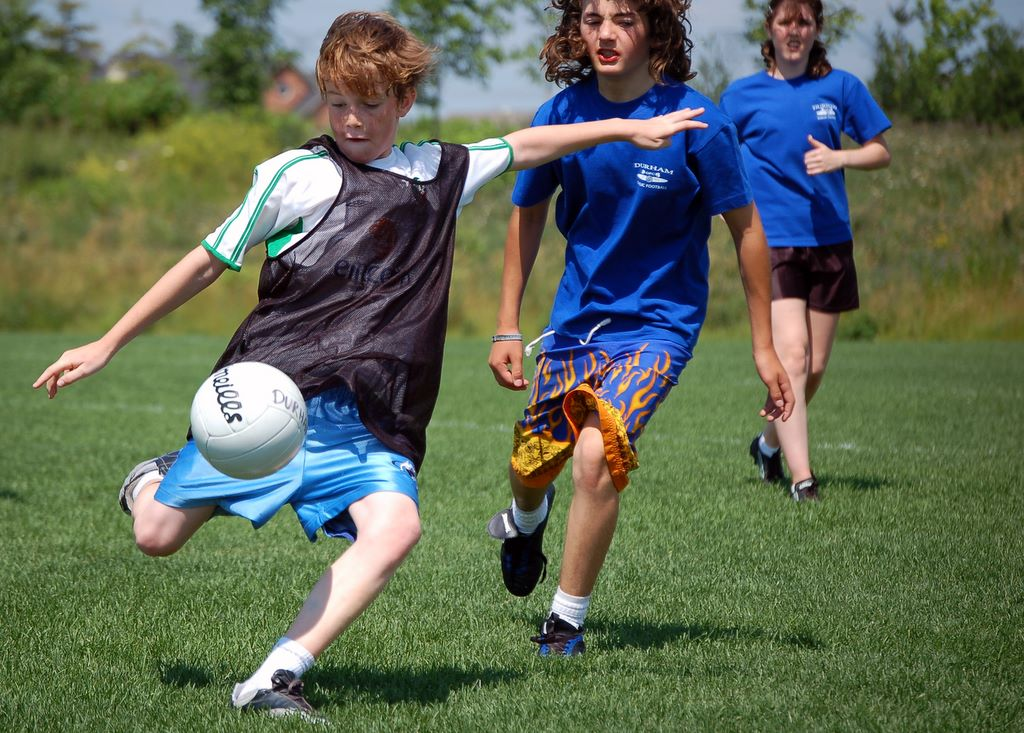 Children_playing_Gaelic_football_Ajax_Ontario
