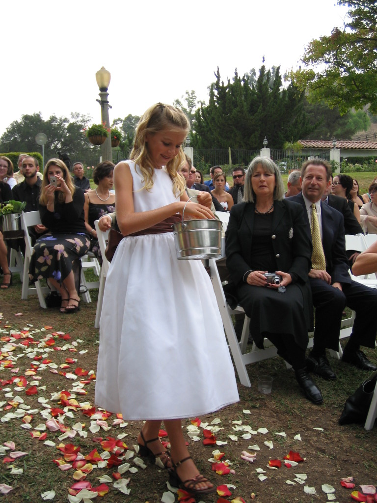 Flower_girl_(wedding)