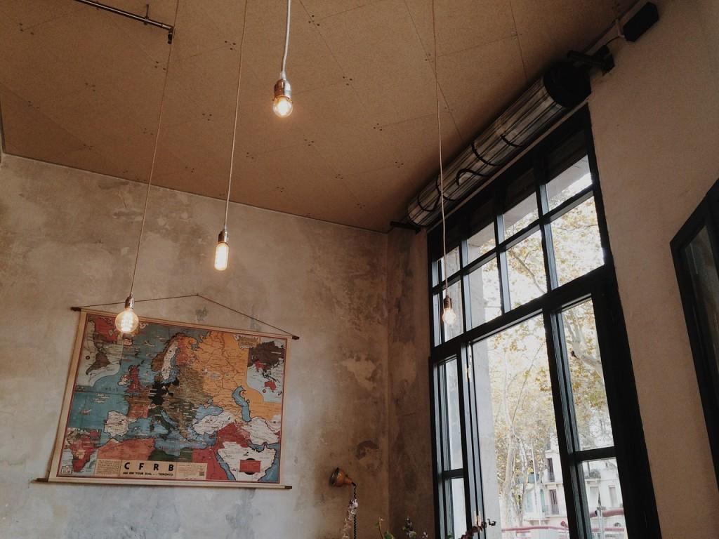 indoor-768760_1280