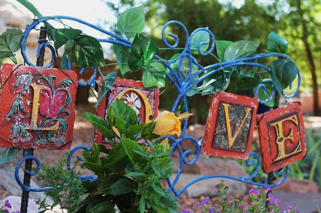 garden-art-1002235_1280