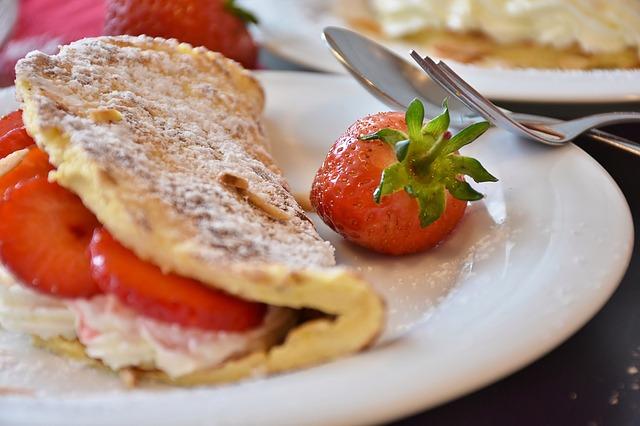 strawberries-1445830_640