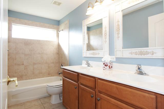 bathroom-2364030_640