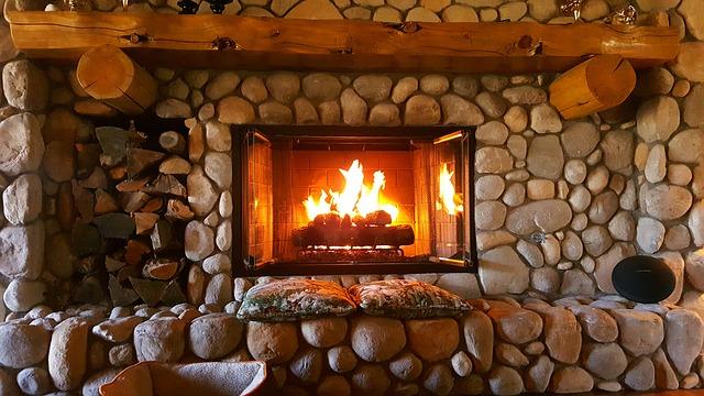 fireplace-1464166_640