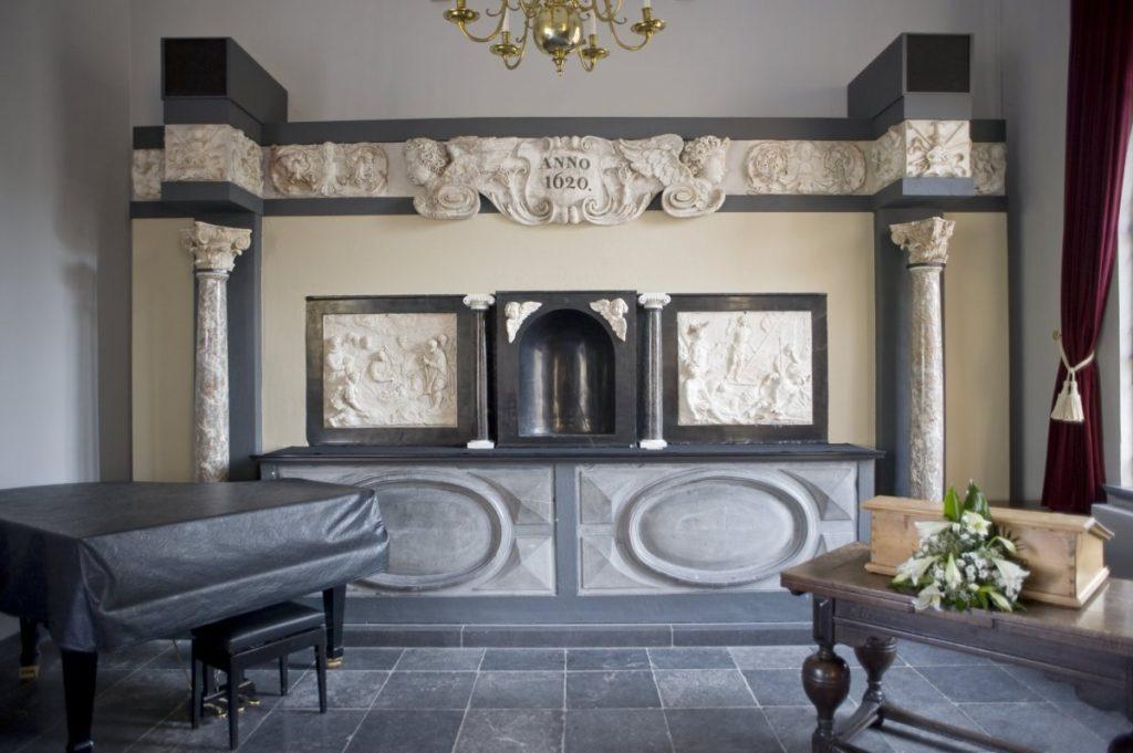 Interieur_overzicht_van_het_renaissance,_barok_altaar,_afkomstig_uit_de_Sint_Jan_uit_'s-Hertogenbosch_-_Heeswijk_-_20426388_-_RCE